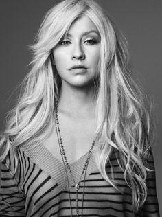 Top 40 Most Beautiful Hair Looks of Christina Aguilera – Celebrities Woman Blonde Hair Looks, Blonde Curls, Christina Aguilera, Medium Curls, Big Curls, Hollywood Walk Of Fame, Girl Next Door, American Singers, Role Models