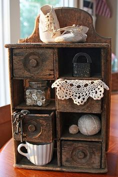 This is a vintage cubby.now couldn't you take a set of old sewing machine drawers and make something similar using reclaimed/barn wood? Country Decor, Rustic Decor, Country Life, Prim Decor, Rustic Charm, Country Homes, Primitive Decor, Rustic Wood, Vintage Decor
