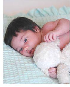 Juegos para fomentar el desarrollo de bebés de 2 semanas de edad.