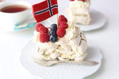 BUDAPEST RULL; MED SITRON KREM OG LAKRIS   Passion 4 baking