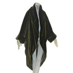 Romeo Gigli Moss Green Velvet Cocoon Coat | 1stdibs.com #elf #edwardian #preraphaelite