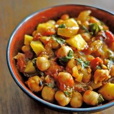 Spinach-Chickpea Stew @keyingredient #tomatoes
