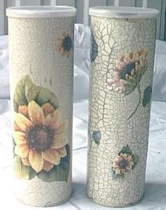 I think these are Pringles containers. Brilliant idea for spaghetti jars, cookie gift tubes etc. Decoupage Vintage, Decoupage Art, Tin Can Crafts, Diy And Crafts, Arts And Crafts, Paper Crafts, Decopatch Ideas, Crystal Light Containers, Pringles Can