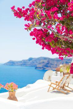 Our Honeymoon in Santorini (Studio DIY) Greece Honeymoon, Honeymoon Spots, Honeymoon Destinations, Vacation Spots, Honeymoon Trends, Santorini Honeymoon, Santorini House, Santorini Greece, Wonderful Places