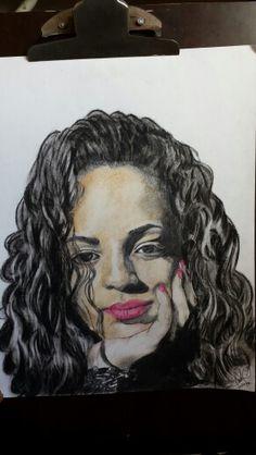 Coteyo. Tirando el arte.  Pretty girl draw to pencil color.