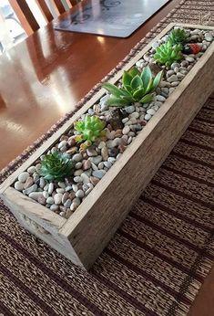 Succulent Planter Diy, Diy Planters, Planter Boxes, Succulent Boxes, House Plants Decor, Plant Decor, Succulents In Containers, Planting Succulents, Garden Design