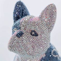 HELLO FRENCH BRUNO / BUTTERFLY #frenchbruno #art #butterfly #sculpture #amazing #fantastic #blingbling #swarovski #kunst #j_leitner #chrystal #glamour #glamorous #luxury #exclusive #frenchbulldog #doggy #glitter #glitzer #figure #dog #hund #crystal #crystals French Bulldog, Swarovski, Butterfly, Glitter, Bling, Glamour, Sculpture, Crystals, Luxury