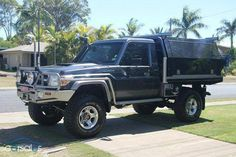Best classic cars and more! Land Cruiser Car, Land Cruiser 70 Series, Toyota Land Cruiser, Toyota Lc, Toyota Hilux, Landcruiser Ute, Survival Fishing, Best 4x4, Bentley Mulsanne