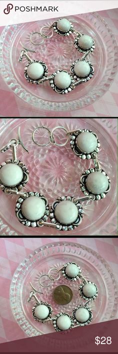 "🌟HP🌟NWOT SS .925 Genuine White Agate Bracelet NWOT White agate sterling silver adjustable toggle bracelet. Irregularities are to be expected with natural gemstones. Pictures are of actual item curtesy of dkjewelry 💗. Matching earrings available 😀 🌟HP🌟 ""Best In Boutiques"" 05/31/17 by: @raccoonluv66 😍 Dragonfly Boutique Jewelry Bracelets"