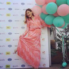 Συνεχίζει τις stylish εμφανίσεις, επιλέγοντας το πιο ωραιό φόρεμα που έχουμε δει το τελευταίο διάστημα.