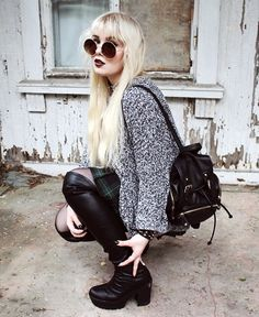 Over knee boots, Sweater old, Skirt American Apparel, Bracelet, Choker & Sunglasses