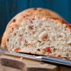 Chleb z chrupiącym boczkiem i chili | Kwestia Smaku