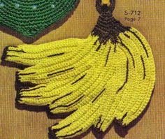 "Free pattern for ""Banana Bunch Potholder""...so cute!"