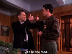 Special Agent Dale Cooper Giving People the Thumbs Up Appreciation 5 Twin Peaks 1990, David Lynch Twin Peaks, Twin Peaks Season 2, Audrey Horne, Kyle Maclachlan, Laura Palmer, Between Two Worlds, Sad Movies, Jim Morrison