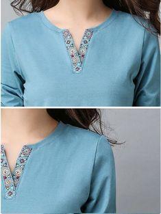 Source by clothes kurti Chudi Neck Designs, Neck Designs For Suits, Neckline Designs, Sleeves Designs For Dresses, Dress Neck Designs, Blouse Designs, Kurti Sleeves Design, Kurta Neck Design, Simple Kurti Designs