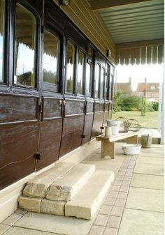 Converted Railway Carriage in Norfolk | Apartment Therapy