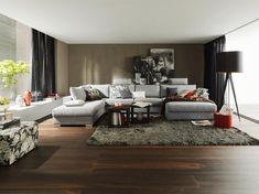 Mit Teppich wird das gesamte Raumbild gleich heimeliger. Foto: JOKA Modern, Couch, Furniture, Home Decor, Bedroom, Living Room, Homes, Homemade Home Decor, Trendy Tree