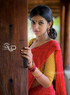 Tradition low bun styles for Indian girls ✄ Modern girl's low bun ✄ Tradition saree Indian Wedding Photos, Indian Wedding Photographer, Indian Photography, Girl Photography Poses, Wedding Photography, Beautiful Girl Indian, Most Beautiful Indian Actress, Beautiful Girl Image, Beautiful Actresses