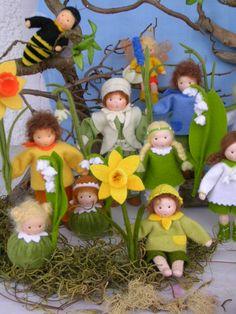 Frühling Waldorf Crafts, Waldorf Toys, Tiny Dolls, Soft Dolls, Felt Fairy, Labor, Flower Fairies, Handmade Felt, Felt Ornaments