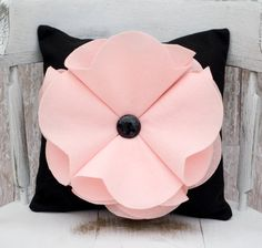This would be so easy to make! Dorm room pillow possibly??
