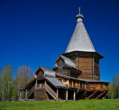 10 Spectacular Wooden Churches of Russia Architecture Antique, Russian Architecture, Facade Architecture, Houses Of The Holy, Great Buildings And Structures, Mysterious Places, Cathedral Church, Exotic Places, Environment Design
