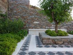 A mediterranean garden by del Buono Gazerwitz Landscape Architecture