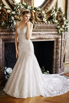 Style J6436 by Moonlight+Collection