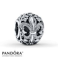 Highly textured fleur-de-lis motifs encircle this classic sterling silver charm from the PANDORA Autumn 2014 collection. Charms Pandora, Pandora Beads, Pandora Rings, Pandora Bracelets, Pandora Jewelry, Charm Jewelry, Fine Jewelry, Women Jewelry, Fashion Jewelry
