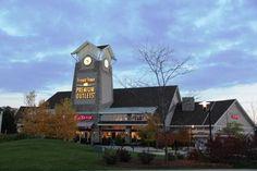 Travel blogger, Connie Reed, visits the Kenosha Area for a Shopping Getaway! - Chicago Travel | Examiner.com | November 2013
