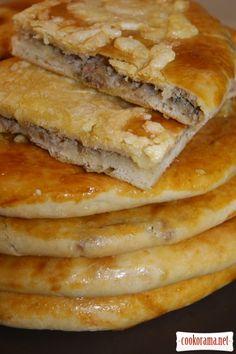 """Менгрельские хачапури с сыром и хачапури """"Кубдари"""" с мясом"""