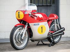 The amazing Moto-Icons Classic Bike Collection Auction includes 20 incredible and famous motorcycles from the last 100 years. Mv Agusta, Racing Motorcycles, Vintage Motorcycles, Vintage Racing, Vintage Cars, Vintage Bikes, Classic Bikes, Classic Cars, Five For Fighting