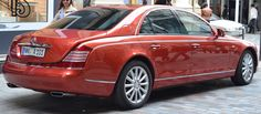 (cropped) - Maybach 57 and 62 - Wikipedia Maybach Car, Mercedes Maybach, Rolls Royce Models, Tokyo Motor Show, Car Guide, Top Luxury Cars, Benz S Class, Geneva Motor Show, Twin Turbo