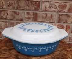 Check out this item in my Etsy shop https://www.etsy.com/listing/242302713/vintage-pyrex-043-blue-snowflake-garland