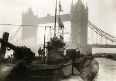 First World War. German fleet surrendering to the English. First German U-boat near the Towerbridge. London, 1918.