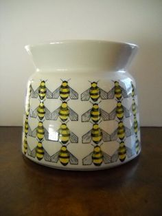 Hold Until Arabia Finland Kaj Franck Bee Design Covered Sugar Bowl Rare on Etsy, Sold Vintage Kitchenware, Bee Design, Save The Bees, Bee Happy, Bees Knees, Scandinavian Design, Finland, Cover Design, A Table