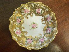 Hand Painted Nippon Gold Guilding Bowl Late 19th Century Vintage Teapots, Vintage Plates, Fine Porcelain, Porcelain Ceramics, China Patterns, Antique Shops, Vintage Love, Fine China, Tea Cup