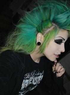 2014-2015 Color Punk Rock Hairstyles For Women (9) me encanta el peinado!!!