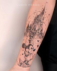Tatuagem no estilo fineline: Acompanhe 33 tatuadores e 99 projetos - Blog Tattoo2me Cartoon Tattoos, Disney Tattoos, Leg Tattoos, Cool Tattoos, Tattos, Estilo Geek, Worlds Best Tattoos, Tattoo Feminina, Tattoo Removal