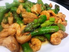 Mely's  kitchen: Asparagus with Pork and Shrimps