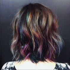 Are you looking for a hair color that is suitable for your short hair? In this post, we've collected 27 cute short hair hair color that you can use to find a hair color that's right for… Oil Slick Hair Color, Cool Hair Color, Hair Color For Kids, Darker Hair Color Ideas, Unique Hair Color, Unique Hair Cuts, Subtle Hair Color, Ombre Colour, Hair Colors