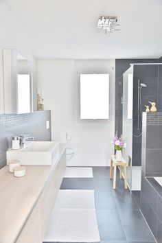 Einblick The post Einblick appeared first on Badezimmer ideen. Bathroom Layout, Bathroom Interior, Modern Bathroom, Bathroom Grey, Bathroom Ideas, Bad Inspiration, Bathroom Inspiration, Home Decor Styles, Cheap Home Decor