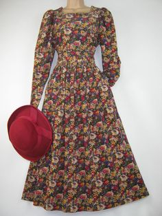 LAURA ASHLEY VINTAGE COUNTRY AUTUMN FLOWERS ALL-SEASONS DAY DRESS, 14 #LAURAASHLEY #ALLSEASONSDAYDRESS #Casual