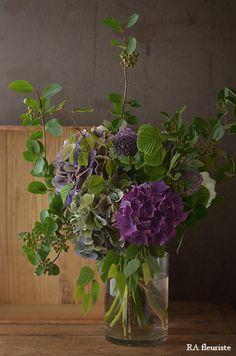 Flower Arrangement Designs, Flower Arrangements Simple, Floral Centerpieces, Flower Vases, Flower Designs, Home Flowers, Romantic Flowers, Beautiful Flowers, Good Morning Flowers