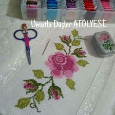 This Pin was discovered by HUZ Cross Stitch Rose, Cross Stitch Embroidery, Hand Embroidery, Cross Stitch Patterns, Christmas Cross, Diy And Crafts, Knitting, Handmade, Palestine