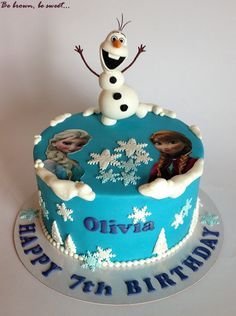 Tarta sencilla de Frozen para Olivia. #olaf #frozen #tartafrozen #frozencake #hermanasfrozen #frozensisters #tarta #cake #papeldeazucar #fondant #handmade #hechoamano #figurafondant #fondantfigure #fondantolaf #olaffondant