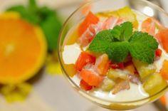 Salada de Frutas deliciosa e refrescante que pode ser servida com creme de leite ou sorvete.