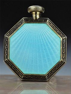 Rare Vintage ART Deco F B Foster Bailey Sterling Enamel Perfume Bottle. The perfume opens from the top and the compact opens from the reverse side Art Nouveau, Art Deco, Antique Perfume Bottles, Vintage Perfume Bottles, Perfumes Vintage, Metal Nobre, Jugendstil Design, Beautiful Perfume, Bottle Art