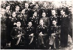 Luftwaffe nachtjagd flieger in Leeuvarden. Helmut Lent is in the front row.