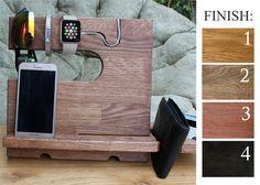 men Charging station wood men iPhone docking от WoodenSkill