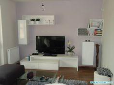 Jednoduchý čistý design obývací stěny www.indeco.cz